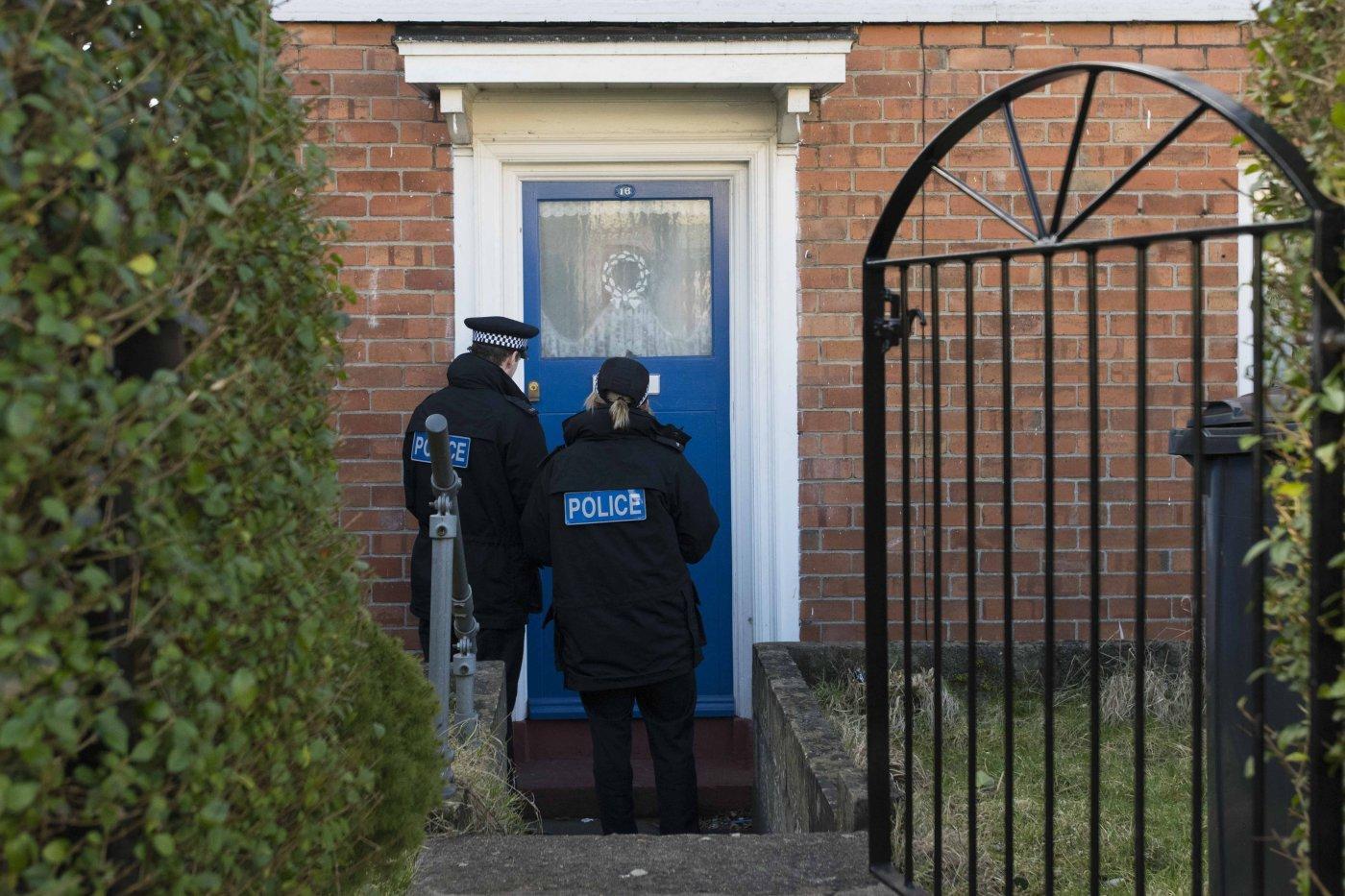 Polizia inglese bussa alla porta di un hacker
