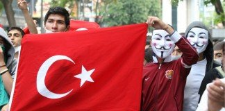 Anonymous in Turchia