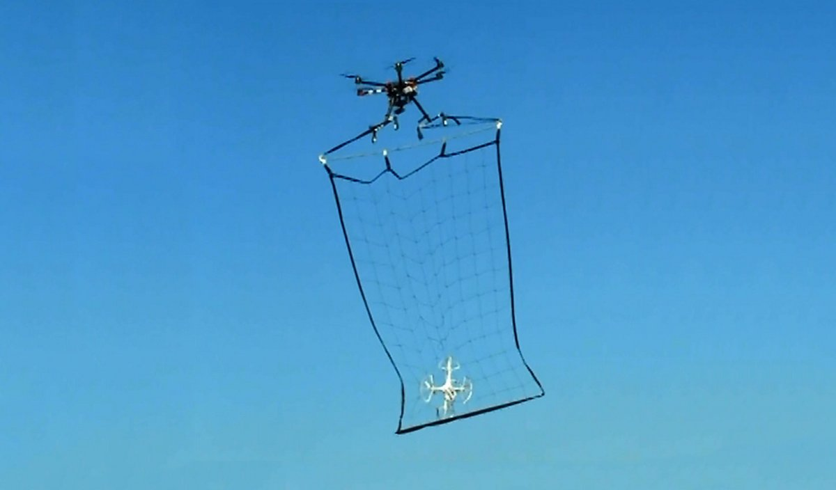 Droni dotati di rete