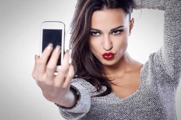 Amazon brevetta il pagamento con le selfie