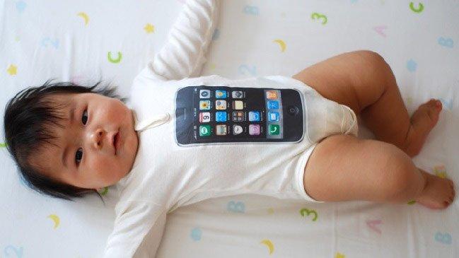 Cina: vendono figlia di 18 mesi per comprare un iPhone