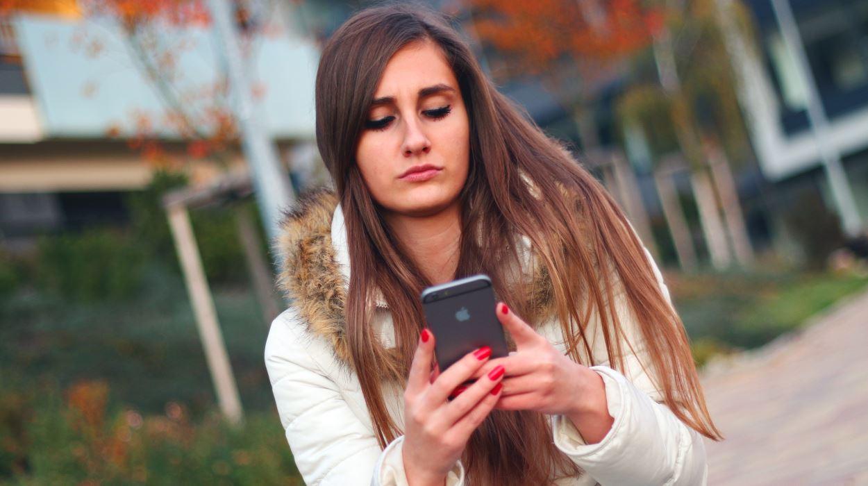 在新泽西州,对于那些正在看手机的人来说,这是一个罚款!
