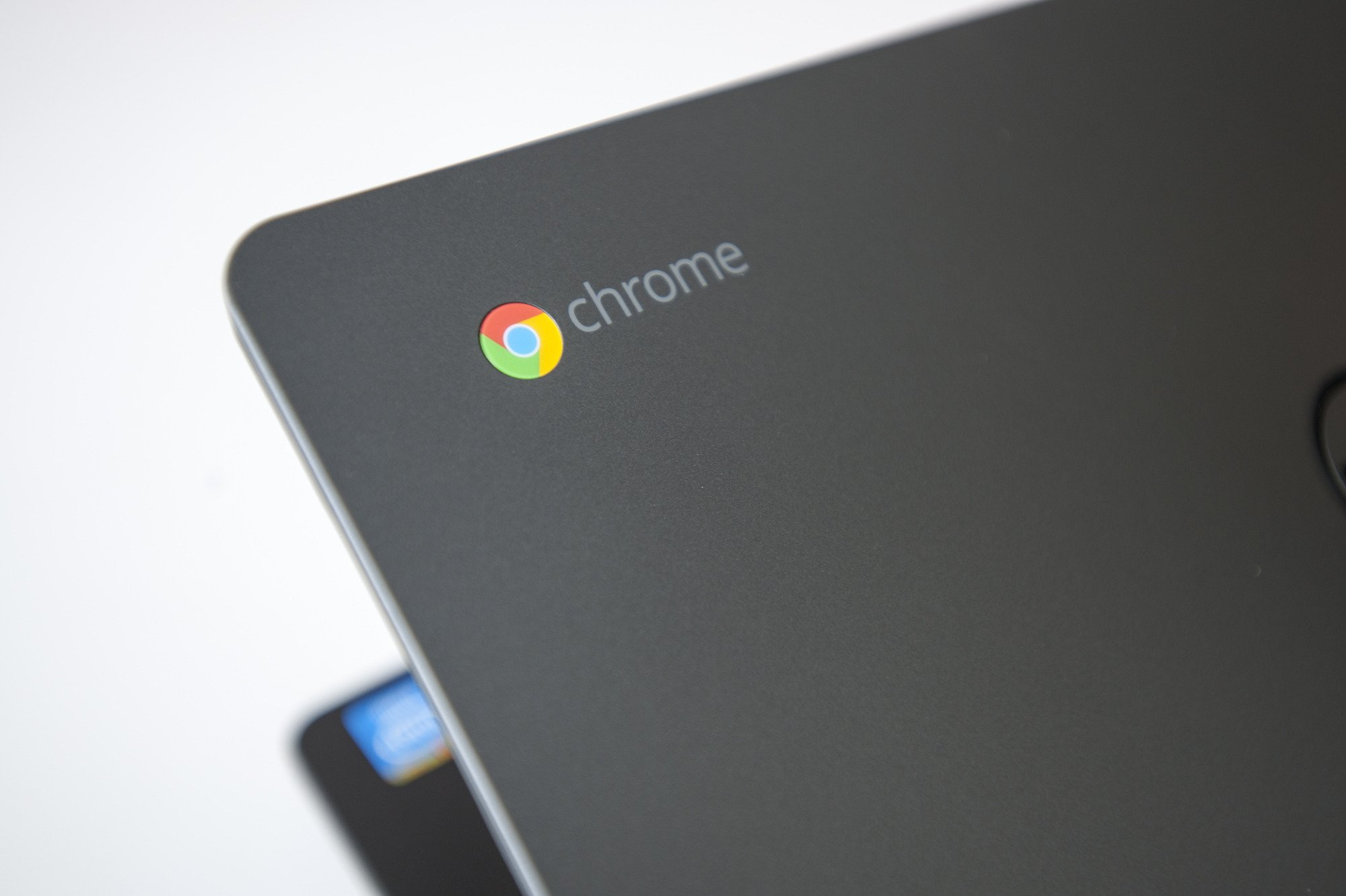 Chromebook 17-million销售额
