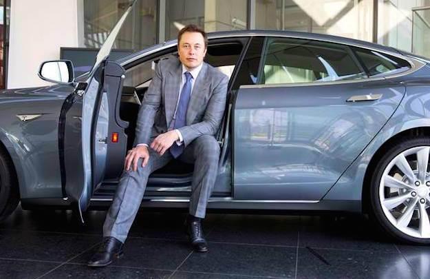Tesla in utile, ma crolla in Borsa