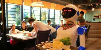 Robot cameriere in Cina