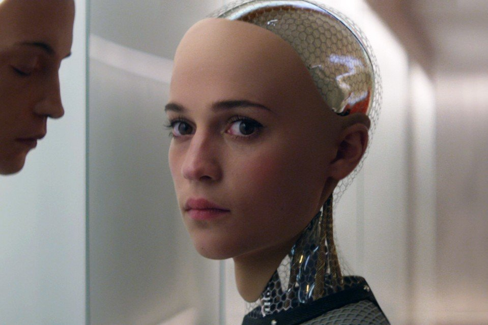Intelligenza artificiale con sembianze umane dal film Ex Machina