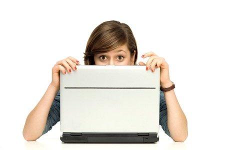 Negli Stati Uniti sempre meno utenti acquistano in rete. Colpa delle paure sulla sicurezza e sulla privacy.