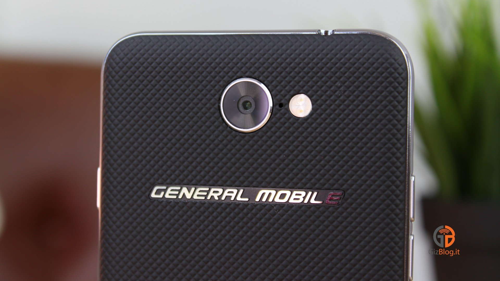 General Mobile GM 6