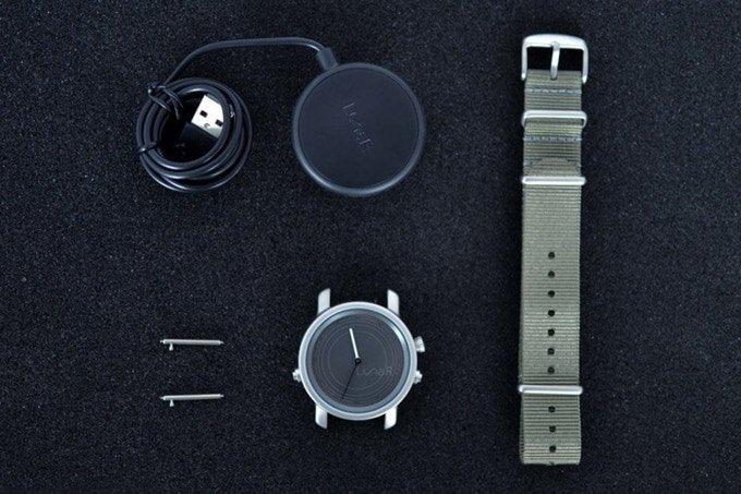 Lunar-Smartwatch-energia-solare-02