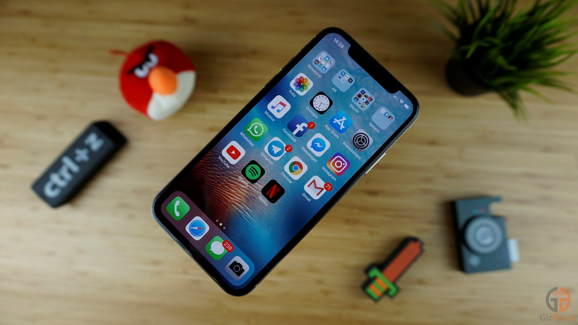 Video di iPhone XR: spuntano le prime impressioni