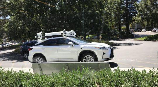 apple guida autonoma raddoppiata flotta