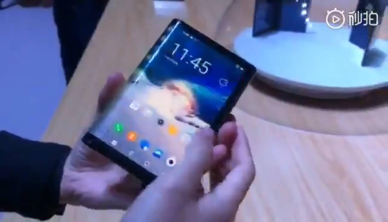 smartphone pieghevole display flessibile