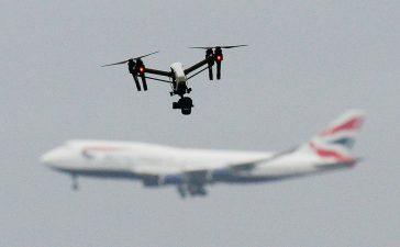 aeroporto aereo drone